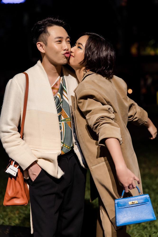 Châu Bùi và Hoàng Ku quấn khăn làm áo cũng không nữ tính bằng NTK Lý Quí Khánh-4