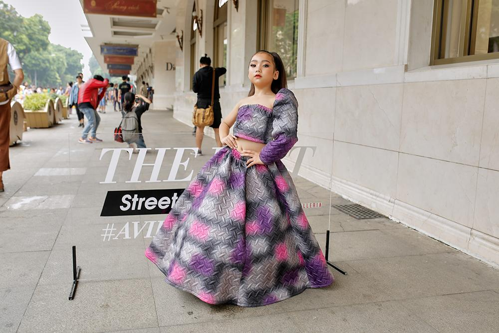 Street style tại Vietnam Fashion Week: mèo Thoại nổi nhất tập đoàn giả gái, có cả người cosplay Sơn Tùng M-TP-18