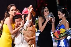 Scandal đọc nhầm quán quân Giọng hát Việt nhí giống hệt sự cố trao nhầm vương miện Hoa hậu Hoàn vũ