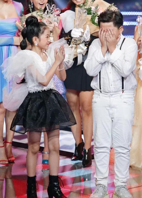 Scandal đọc nhầm quán quân Giọng hát Việt nhí giống hệt sự cố trao nhầm vương miện Hoa hậu Hoàn vũ-1
