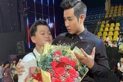 MC Nguyên Khang nhầm kết quả The Voice Kids khiến thí sinh khóc nức nở