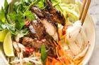 Cách ướp đơn giản cho món bún gà nướng sả bao ngon