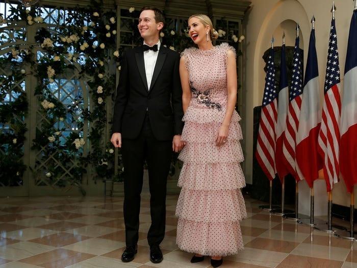Không hổ danh ái nữ nhà Trump, Ivanka làm mọi cô gái phải ghen tị với những chiếc váy thiết kế đáng giá bằng cả gia tài-3