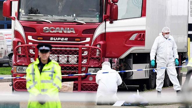Công an Hà Tĩnh lấy ADN người thân nạn nhân mất tích khi qua Anh-2
