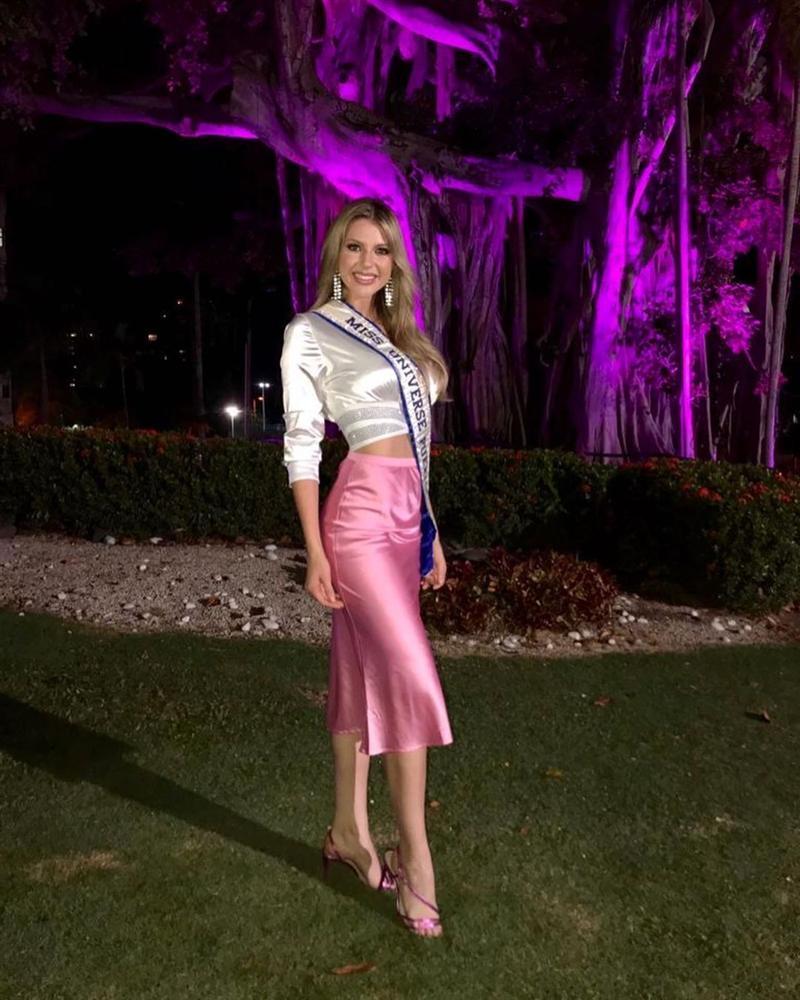 Bản tin Hoa hậu Hoàn vũ 27/10: Hoàng Thùy lên đồ xuất sắc chặt đẹp hai đối thủ nặng đô-3