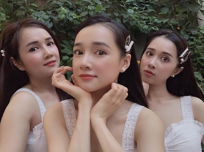 3 chị em Nhã Phương cùng đọ sắc trong một khung hình với trang phục và phụ kiện giống nhau-2