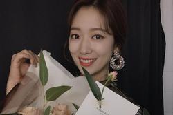 Park Shin Hye khoe ảnh đẹp giản dị khi Instagram cán mốc 10 triệu người theo dõi