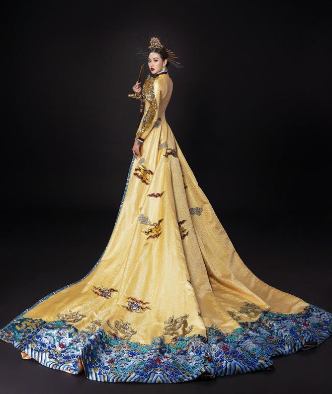 Vừa sang Nhật thi Miss International, Tường San đã tiết lộ hẳn 2 bộ áo dài cực kỳ hoành tráng để thi Quốc phục-4