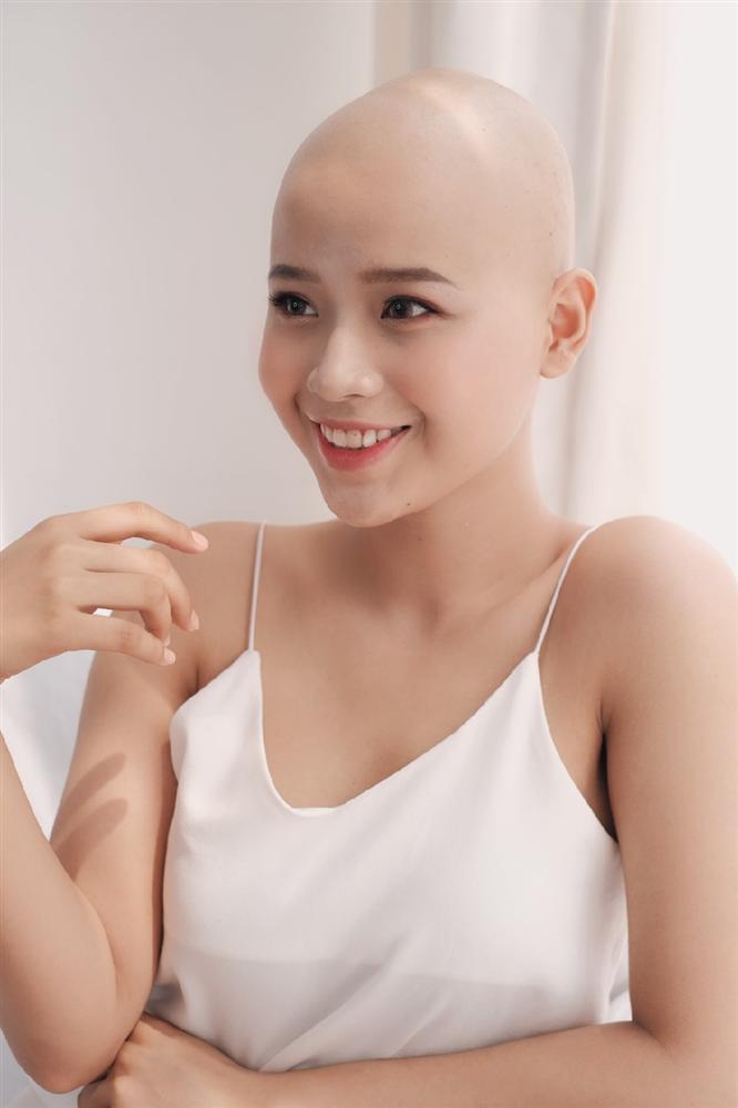 Nữ sinh ĐH Ngoại thương: 'Không nghĩ ung thư đến khi mới 19 tuổi'-6