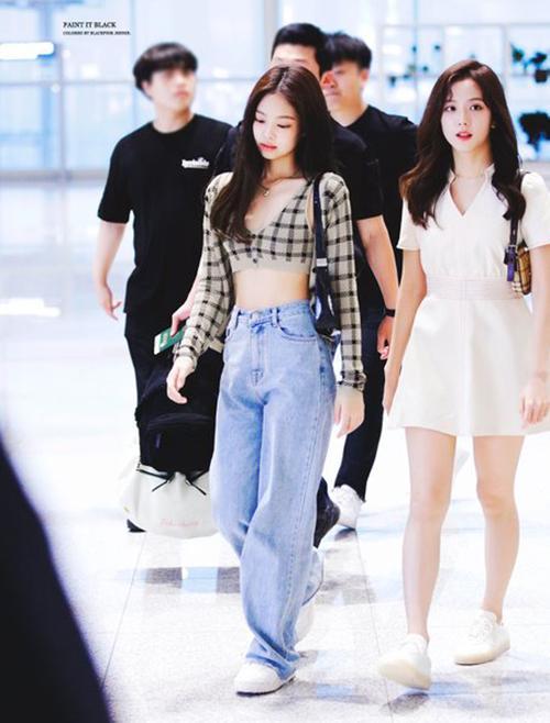 Từng hạ đo ván Jisoo khi đụng hàng vậy mà Chi Pu lại kém sang hơn Jennie vì như mặc đồ fake-6