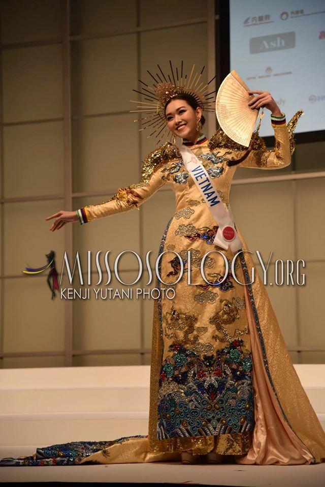 Tường San catwalk tự tin với trang phục dân tộc Rồng chầu mặt trời tại Miss International 2019-1
