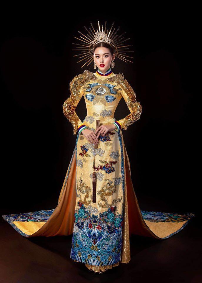 Tường San catwalk tự tin với trang phục dân tộc Rồng chầu mặt trời tại Miss International 2019-3