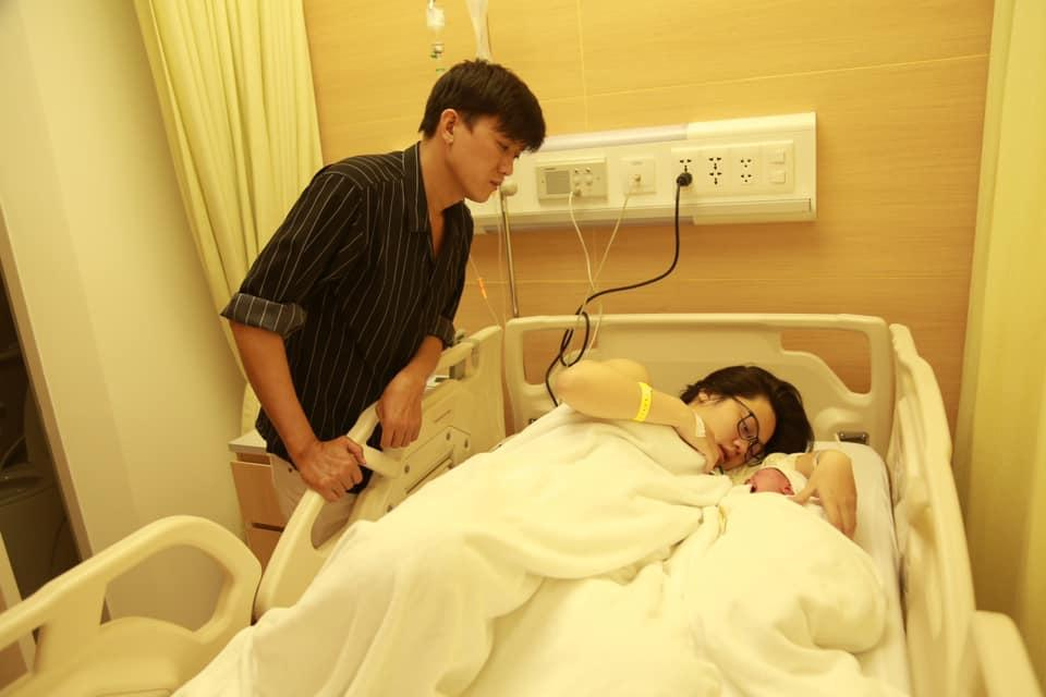 Công khai bạn gái chưa lâu, Quách Ngọc Tuyên thông báo đón con đầu lòng-2