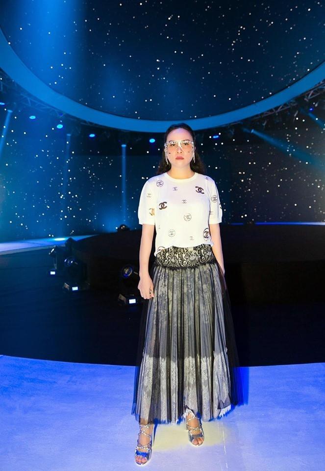 Nghiện mặc váy maxi giấu chân, Phượng Chanel mắc lỗi khiến dùng đồ hiệu mà chẳng thấy sang-6
