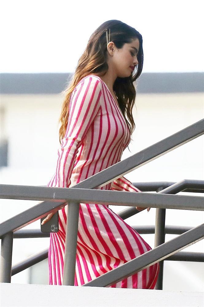 Selena Gomez lấy lại nhan sắc, vóc dáng sexy sau khi giảm cân-3