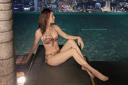 Ninh Dương Lan Ngọc khoe ảnh bikini nóng bỏng nhưng vòng 2 đã bắt đầu ngấn mỡ