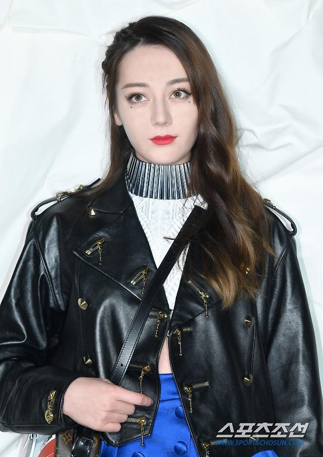 Truyền thông Hàn hết lời khen ngợi nhan sắc mỹ nữ Tân Cương Địch Lệ Nhiệt Ba-2