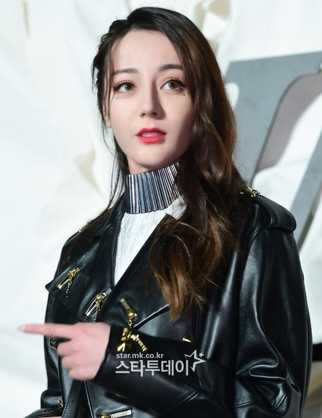 Truyền thông Hàn hết lời khen ngợi nhan sắc mỹ nữ Tân Cương Địch Lệ Nhiệt Ba-3
