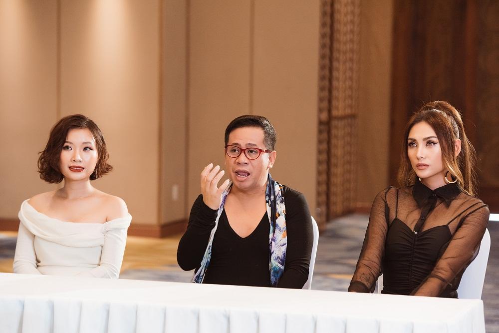 Võ Hoàng Yến chê thẳng mặt phong cách catwalk của Hoàng Thùy trước thềm Miss Universe 2019-3