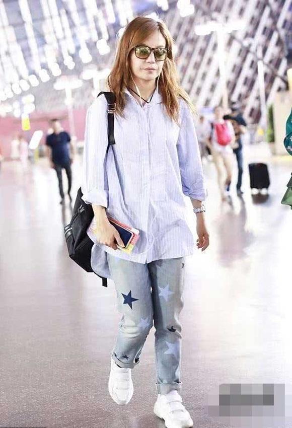 Bí quyết thời trang giúp Triệu Vy hack tuổi đẳng cấp dù với những món đồ giản dị-2