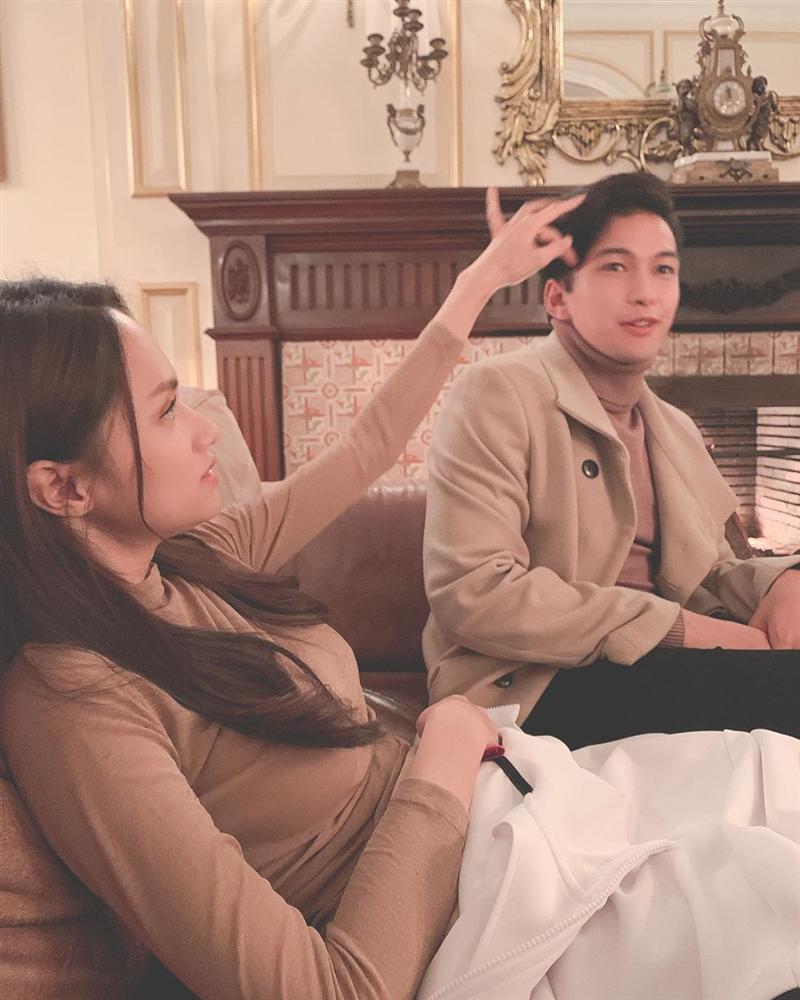 Soái ca nào đẹp đôi nhất khi kề cạnh Hương Giang: Criss Lai, Khánh Ngô, Philip Thinroj hay Sơn Tùng?-1