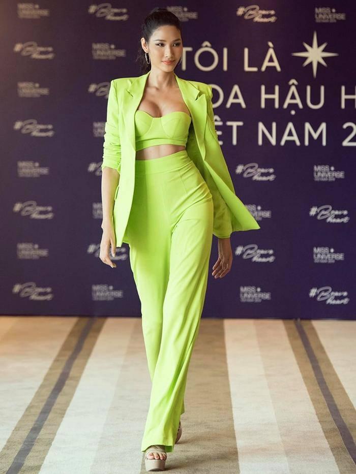 Một công đôi việc: Hoàng Thùy tự thiết kế váy lá chuối đón Halloween vừa định mang dự thi Miss Universe-3