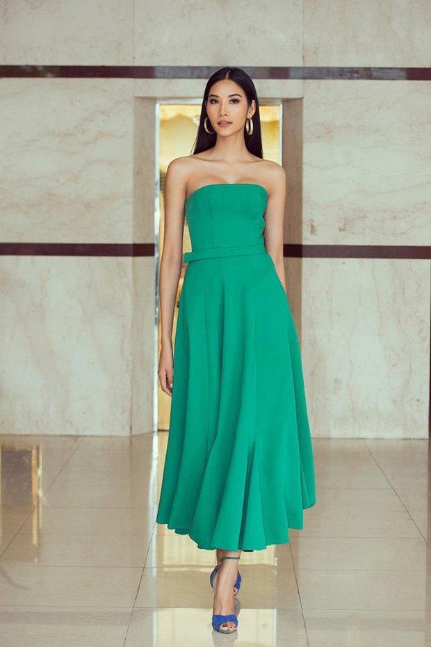 Một công đôi việc: Hoàng Thùy tự thiết kế váy lá chuối đón Halloween vừa định mang dự thi Miss Universe-6