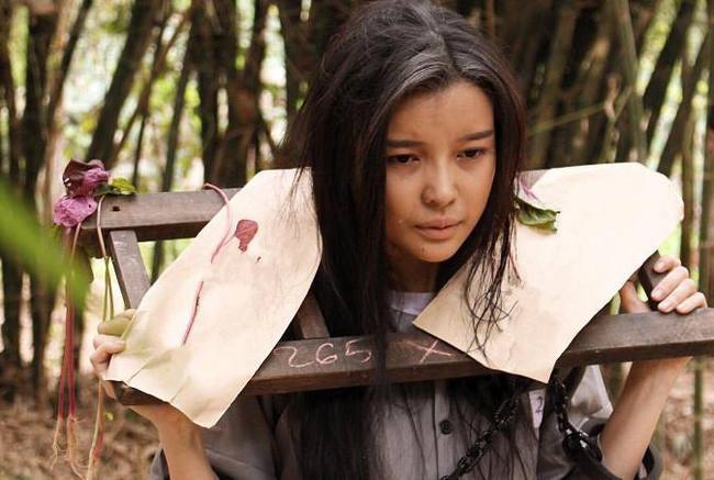 Số nhọ như Cao Thái Hà: Trên phim phải đi tù, ngoài đời bị mất trộm kính xe-1