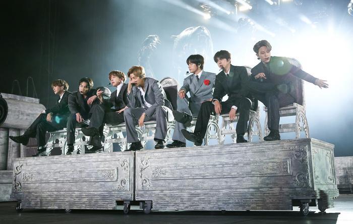 Những nhóm nhạc có giá vé tour đắt nhất năm 2019: Kpop có 2 đại diện góp mặt nhưng không phải BTS-1
