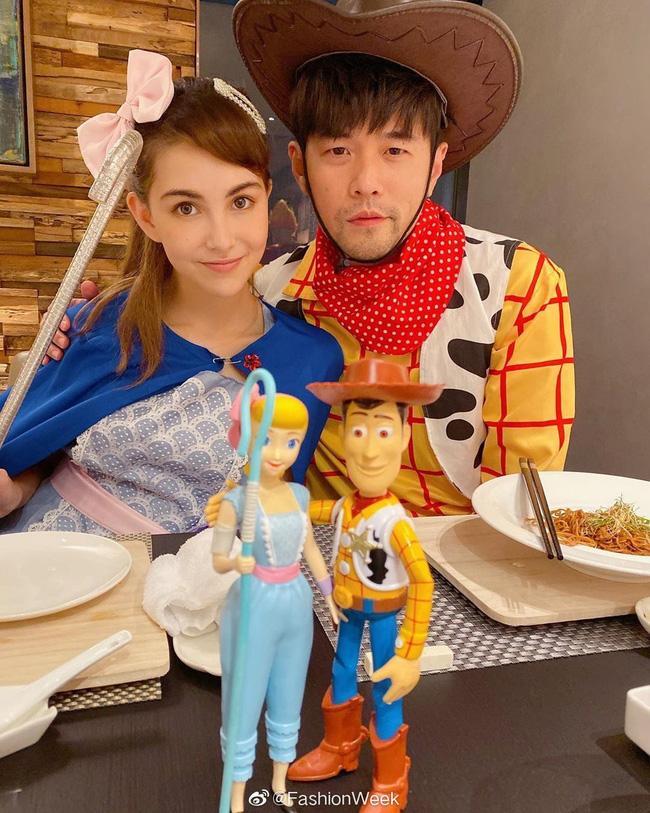 Chồng Hà Tăng có màn cosplay Halloween đụng hàng Châu Kiệt Luân-3