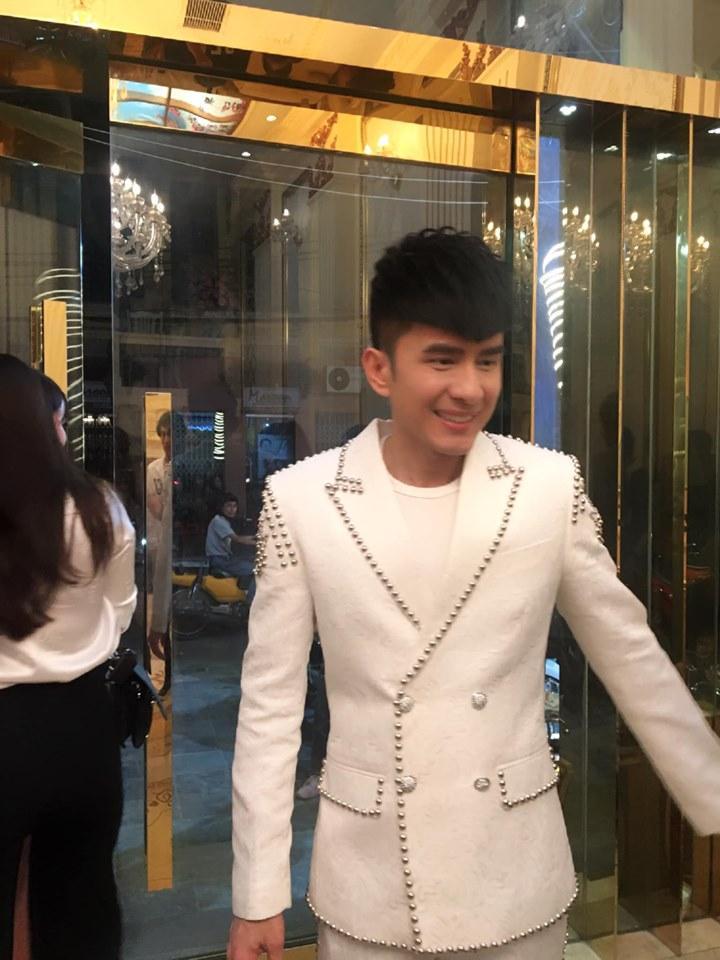 SAO MAKE OVER: MC Thanh Bạch - Lệ Quyên - Thúy Vân đều bị son phấn báo hại-1