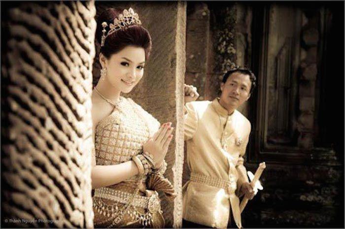Vũ Thu Phương đính chính chồng không thuộc Hoàng tộc Campuchia, con chung - con riêng biết phụ mẹ tiền học-4