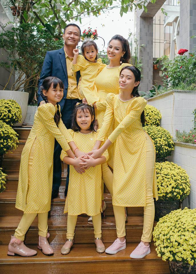 Vũ Thu Phương đính chính chồng không thuộc Hoàng tộc Campuchia, con chung - con riêng biết phụ mẹ tiền học-5