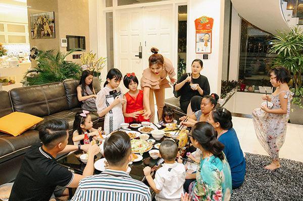 Vũ Thu Phương đính chính chồng không thuộc Hoàng tộc Campuchia, con chung - con riêng biết phụ mẹ tiền học-7