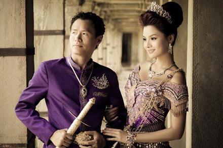 Vũ Thu Phương đính chính chồng không thuộc Hoàng tộc Campuchia, con chung - con riêng biết phụ mẹ tiền học
