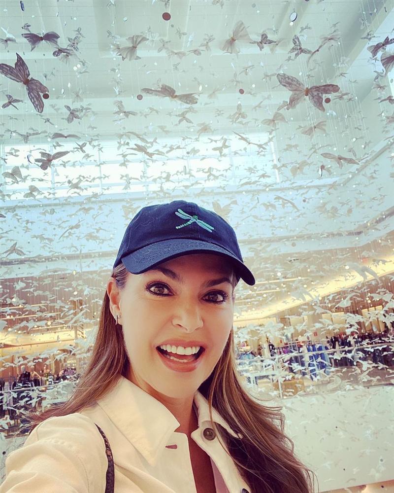 Bản tin Hoa hậu Hoàn vũ 2/11: Tưởng ba vòng của Hoàng Thùy siêu chuẩn, nào ngờ vẫn bị chặt đẹp bởi đối thủ Argentina-5