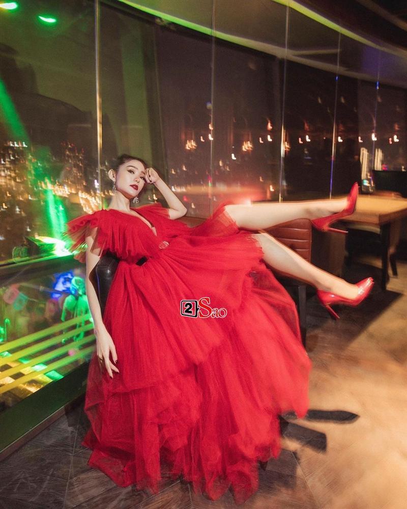 Một chiếc váy có tới chục lần đụng hàng từ Á đến Âu: Người mặc đẹp nhất không ai qua nổi Hương Giang-10