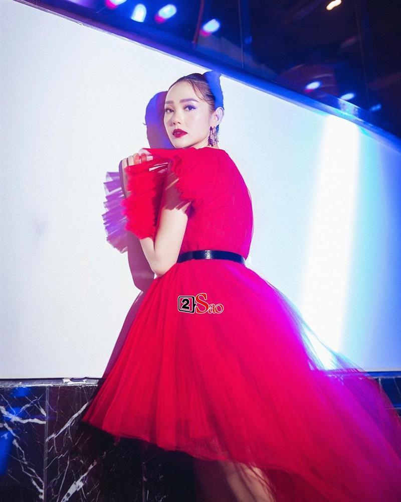 Một chiếc váy có tới chục lần đụng hàng từ Á đến Âu: Người mặc đẹp nhất không ai qua nổi Hương Giang-11