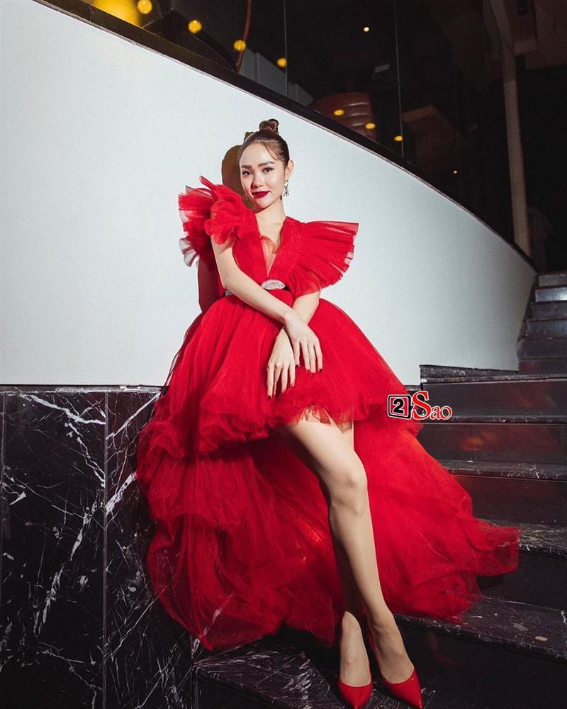 Một chiếc váy có tới chục lần đụng hàng từ Á đến Âu: Người mặc đẹp nhất không ai qua nổi Hương Giang-12