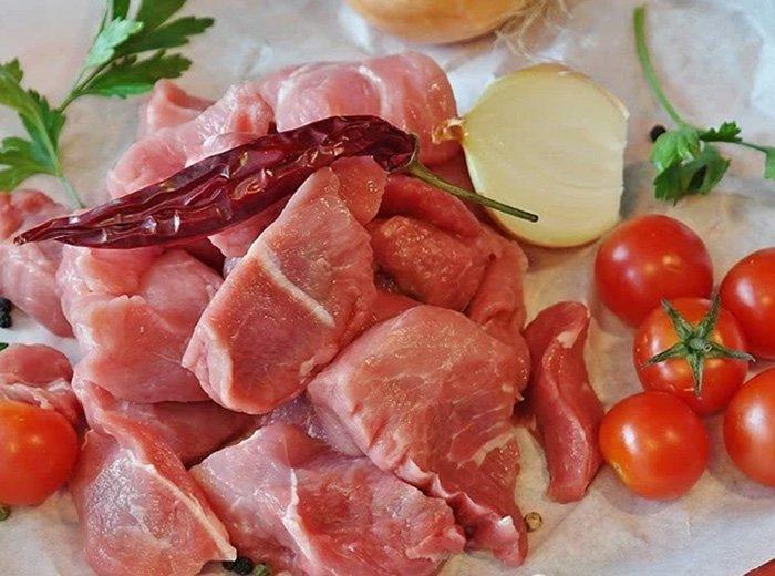 Mua thịt lần nào cũng không tươi ngon, mẹ chồng mách 5 mẹo chọn thịt lợn khiến tôi phải nể-2