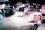 Clip: Không dám nhìn khoảnh khắc thùng container lật xuống đường đè trúng cặp vợ chồng đi xe máy, 1 phụ nữ chạy thoát trong gang tấc-3