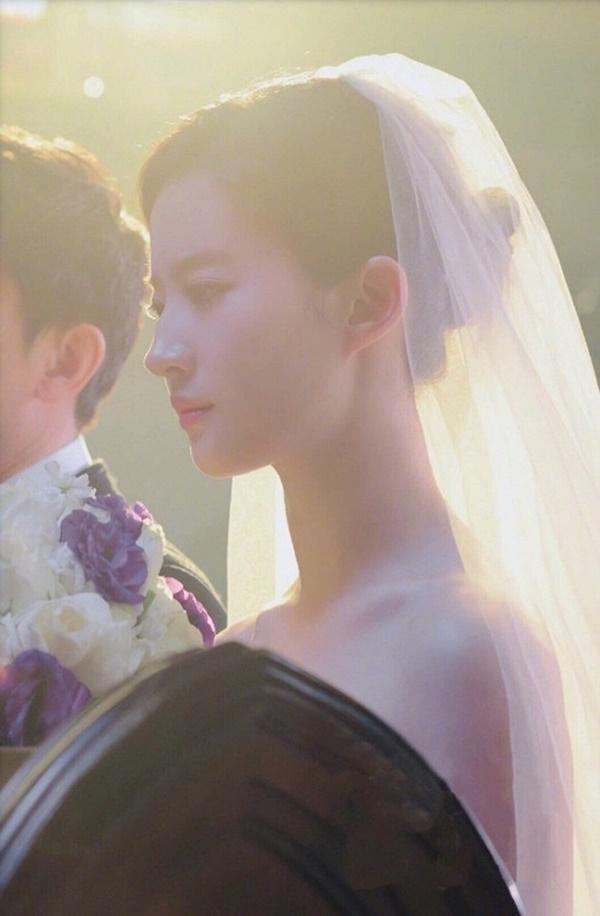 Thần tiên tỉ tỉ Lưu Diệc Phi gây náo loạn với loạt ảnh cưới, giai nhân tuyệt mỹ đẹp từng góc độ-2