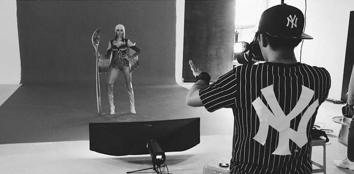 Hoàng Thùy sẽ trình diễn trang phục dân tộc tại Miss Universe 2019 với một chiếc thìa siêu to khổng lồ?-10