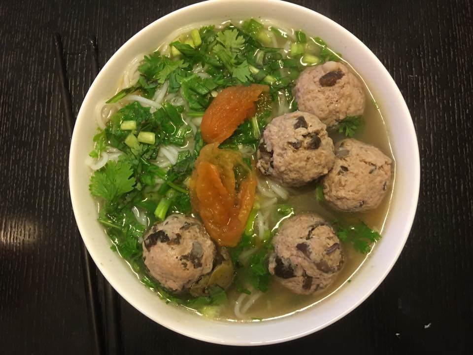 Món ăn từ con vật nhiều người nhìn đã sợ nhưng qua tay của Văn Mai Hương lại làm hàng xóm nhức mũi-9