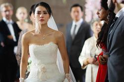Giữa đám cưới, mẹ chồng lên giật míc MC nói 1 điều kinh khủng làm tôi xấu mặt, xé váy cưới ra về