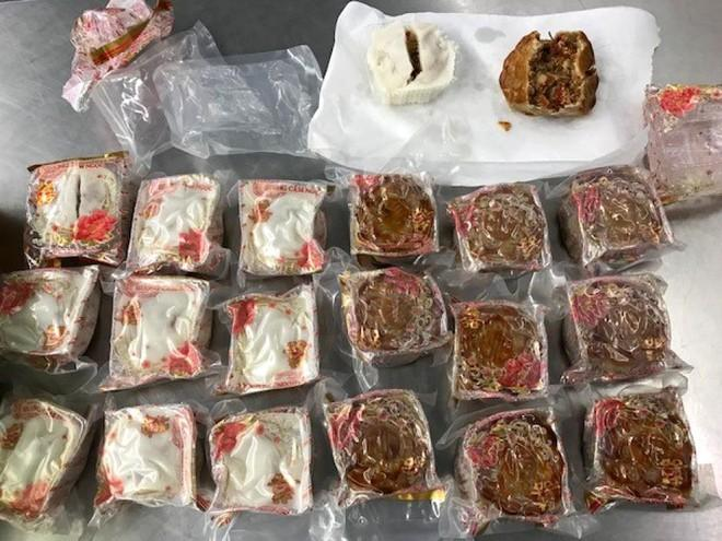 Khách Việt bị trục xuất vì mang bánh trung thu vào Australia-1