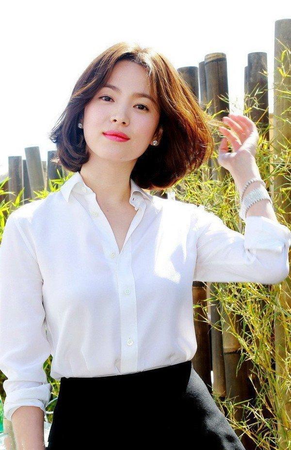 Song Hye Kyo bất ngờ lên sóng với mái tóc tém ngắn cũn, fans dụi mắt mãi mới nhận ra-9