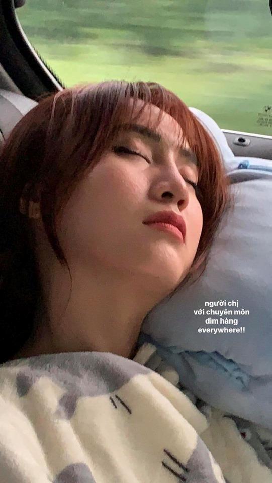 Lan Ngọc và nhiều nghệ sĩ ngủ gục ở hậu trường-3