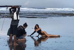 Hoa hậu Mỹ gây tranh cãi khi diện bikini xẻ quá cao