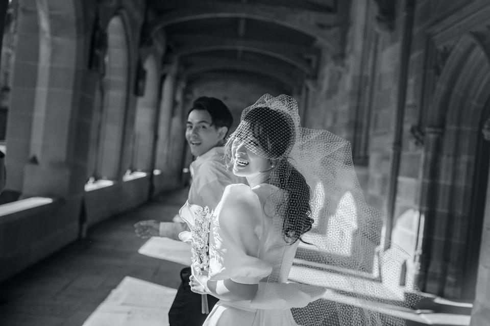Đông Nhi hôn Ông Cao Thắng nồng cháy trong bộ ảnh cưới đẹp như mơ tại Sydney-5
